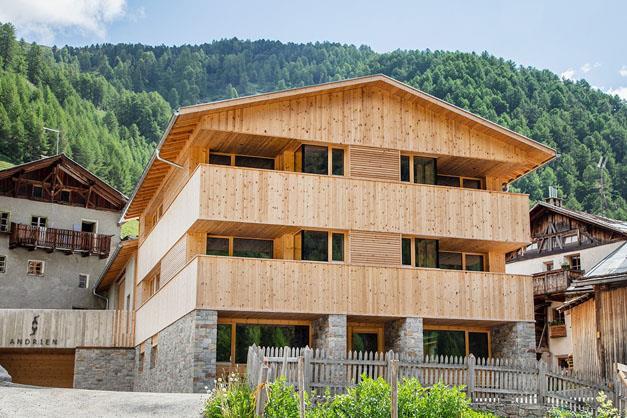 Andrien Mals Vakantie Op De Boerderij In Zuid Tirol